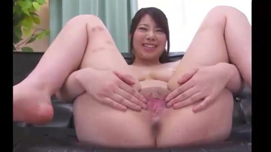 ASIAN GIRLS SHOWING THEIR PUSSIES - Vol 2