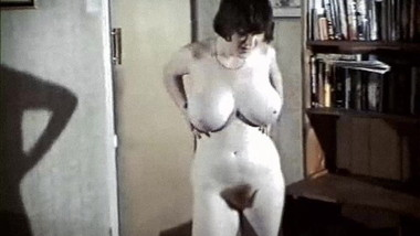 Helen Teen - vintage British big tits striptease dance
