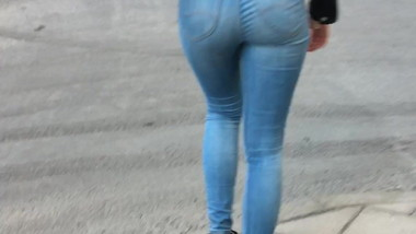 Dream ass in jeans2