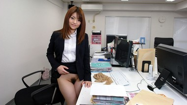 Japanese secretary, Kimoko Tsuji sucks dick, uncensored