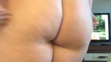 Exposed fat kik slut jiggles around for me on camera