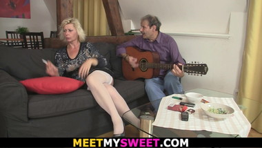 Sweet girl is lured into 3some by his olds